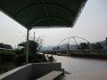 [広島市交通科学館]屋外広場のベンチと屋根