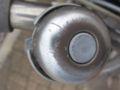 ベルを鳴らすためのレバーが取れてしまった自転車ベル