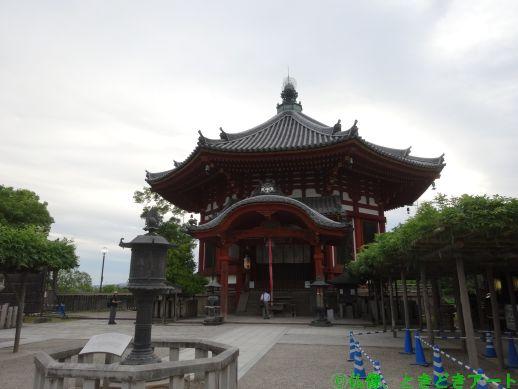 興福寺の南円堂を撮影した画像