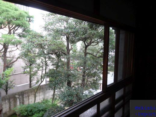 旧篠原家住宅二階の窓を撮影した画像