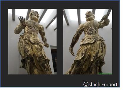 仁王像が並んで立っている画像