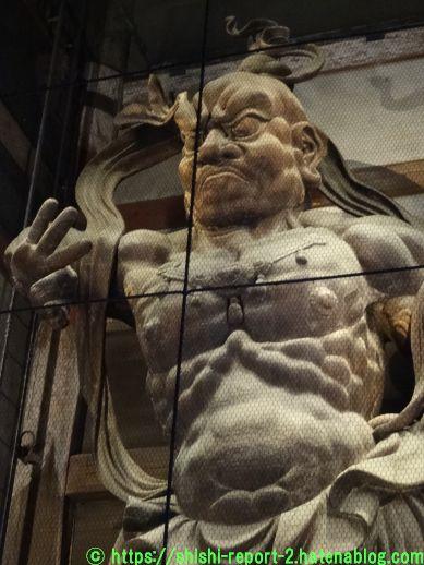 金剛力士立像の上半身の画像