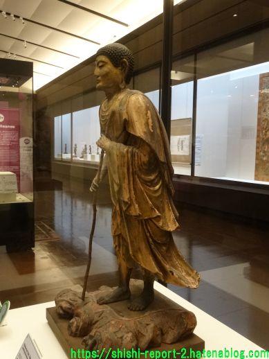 出山釈迦如来立像(特別展「奈良博三昧」)を横から撮影した画像