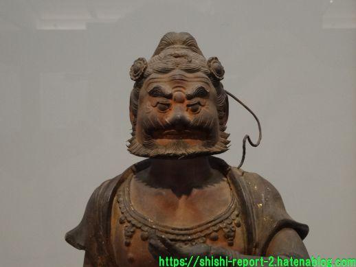 あごががっちりした仏像の写真