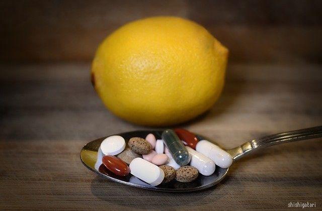 ビタミンサプリメントのイメージ写真