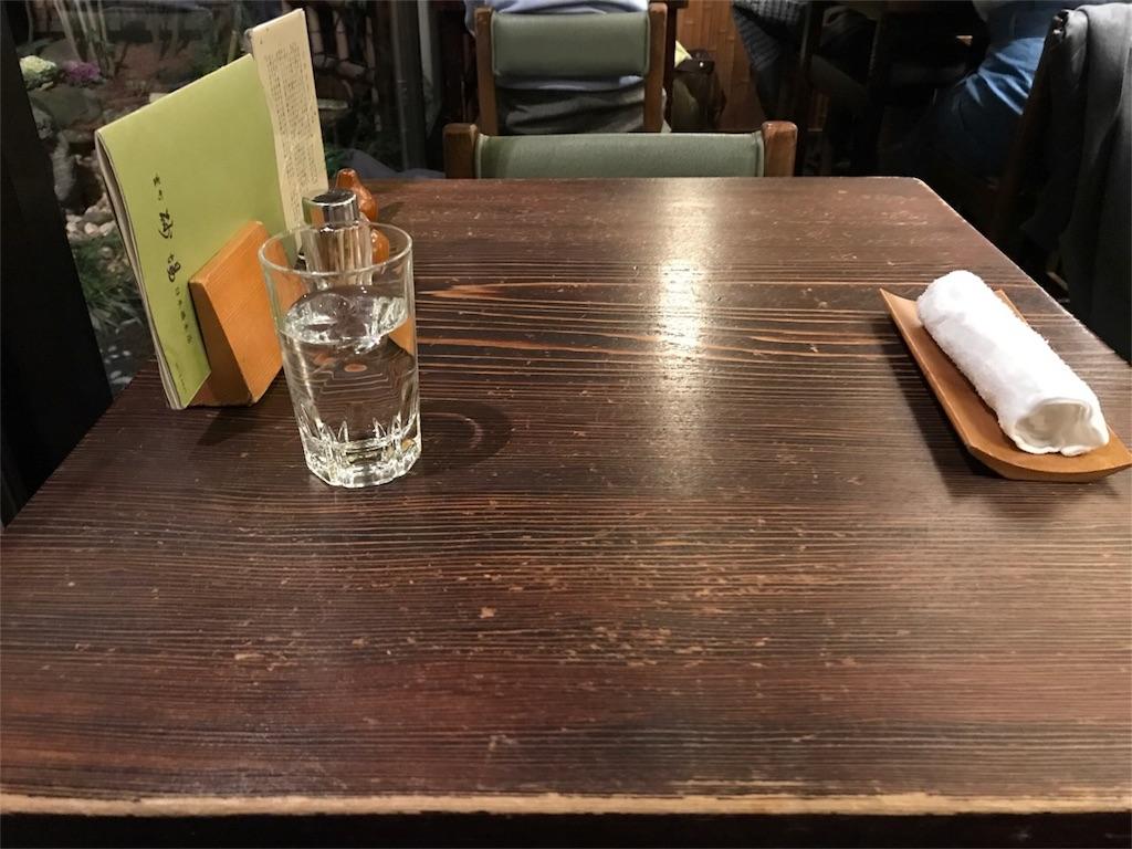 室町砂場,テーブル