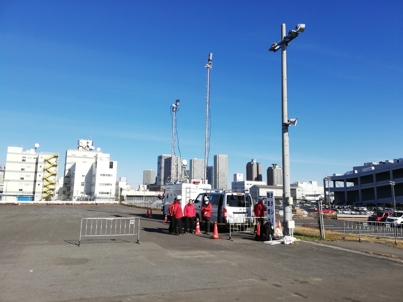 コミケ会場の移動式携帯アンテナ