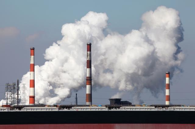 工場からの噴煙 CO2排出