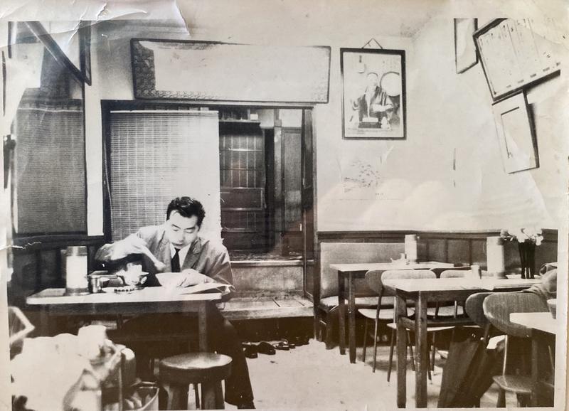 松寿庵開業当時の神田神保町本店の店内