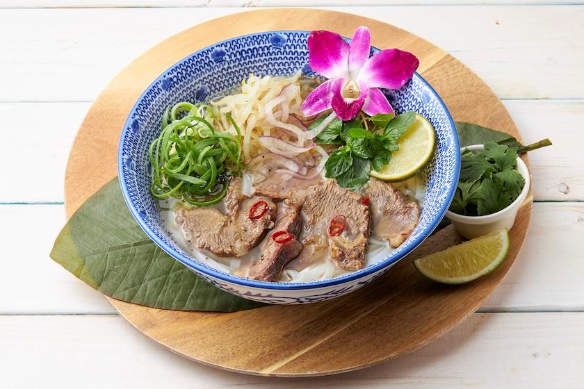 コナズ珈琲の牛ほほ肉のベトナムフォー(温)(税込1,518円)