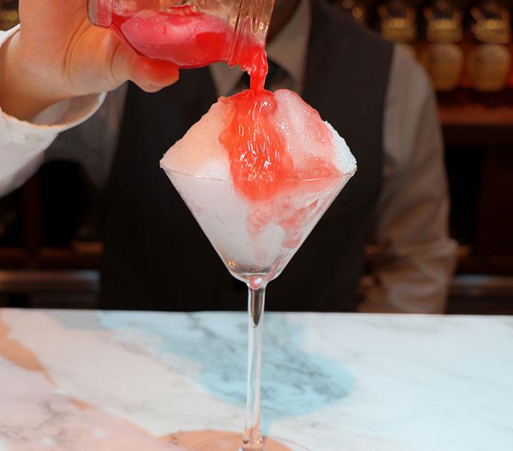 梅酒カクテルかき氷~とろり梅もち~