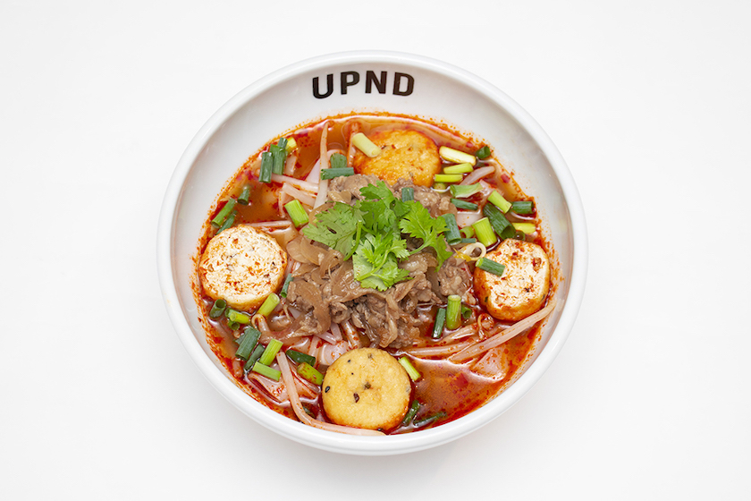 「UP Noodle TOKYO」の「痺れる辛さの麻辣牛肉フォー」