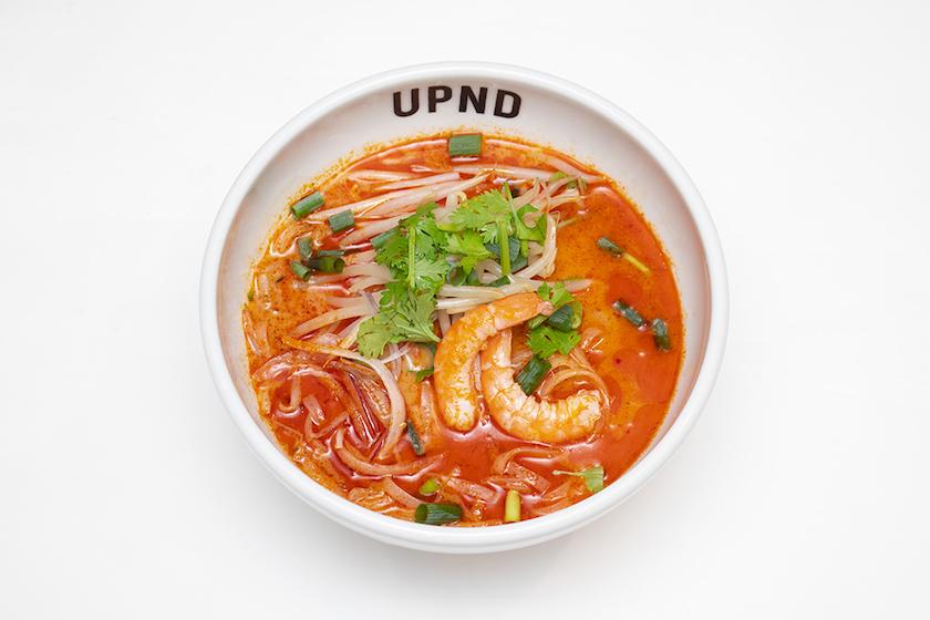 「UP Noodle TOKYO」の「濃厚オマール出汁のトムヤムフォー」