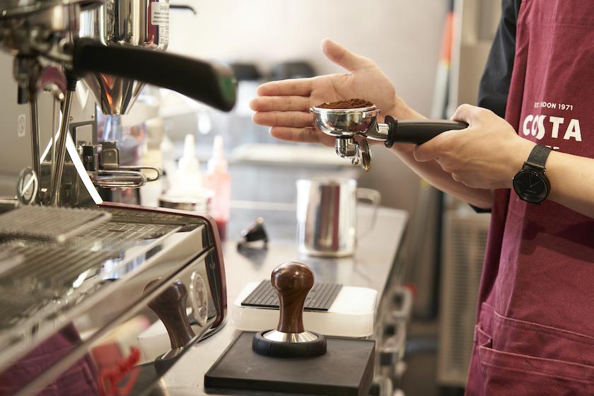 コスタコーヒーのバリスタによる手淹れコーヒー