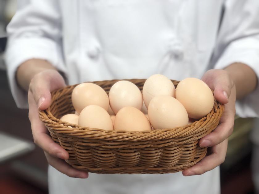ホテルニューオータニの期間限定商品「新エクストラスーパーピーチショートケーキ」で使われるたまご「玄米卵」