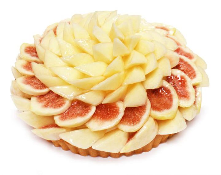 桃といちじくのケーキ 公式サイトより