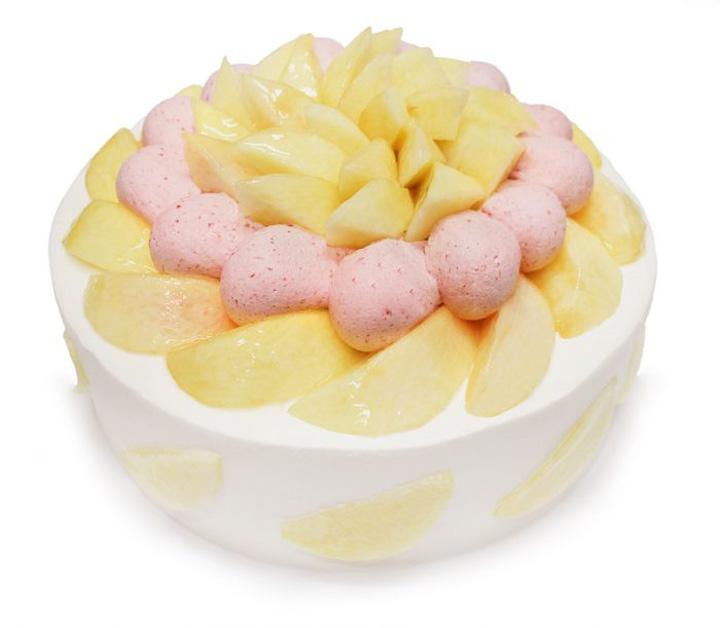 桃とチェリークリームのショートケーキ 公式サイトより