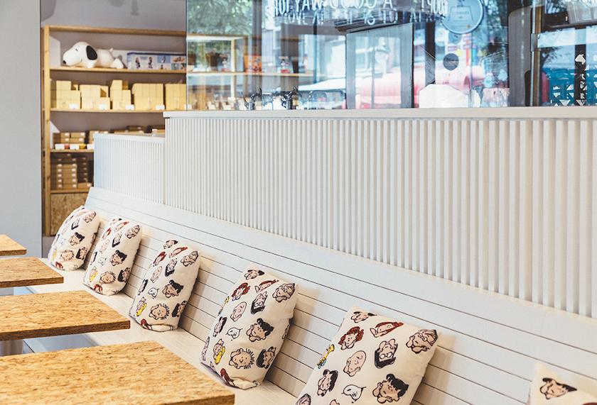 PEANUTS Cafe SUNNY SIDE kitchen 席の様子