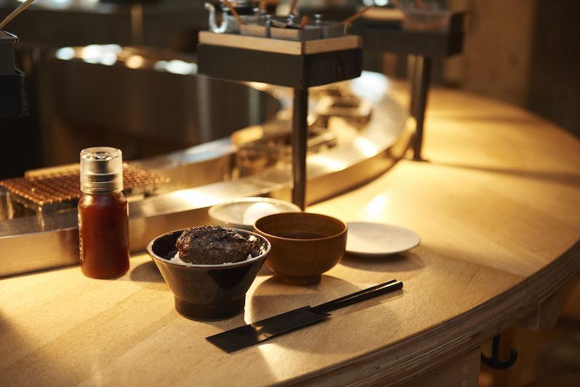 「挽肉と米」のカウンター席イメージ