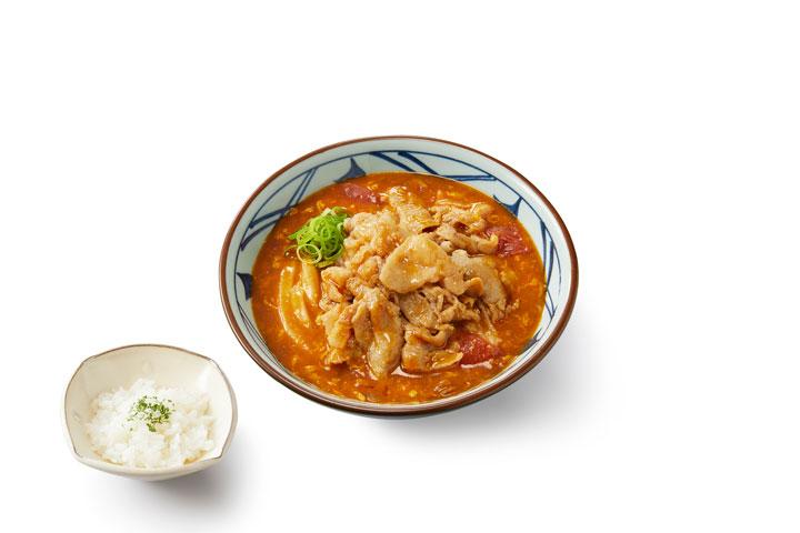 豚肉のせトマたまカレーうどん(並) 890円(税込)
