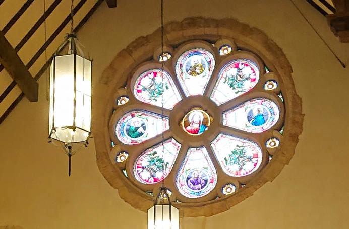 那須ステンドグラス美術館 バラ窓