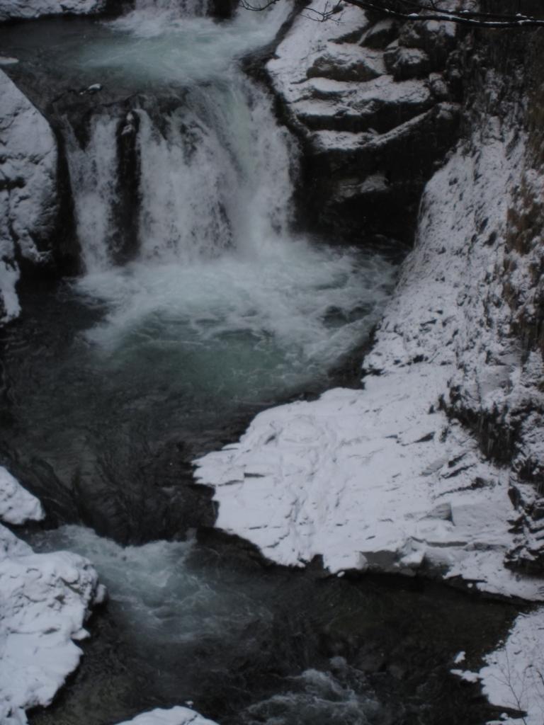 鳳鳴四十八滝の滝つぼの写真