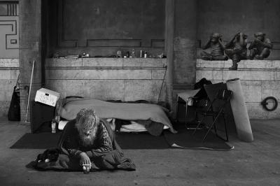 homeless-man-2653445_640.jpg