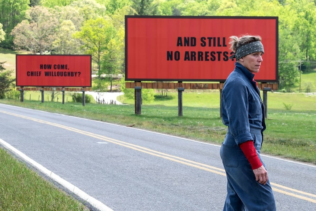 three billboards from the scene of Three Billboards Outside Ebbing, Missouri