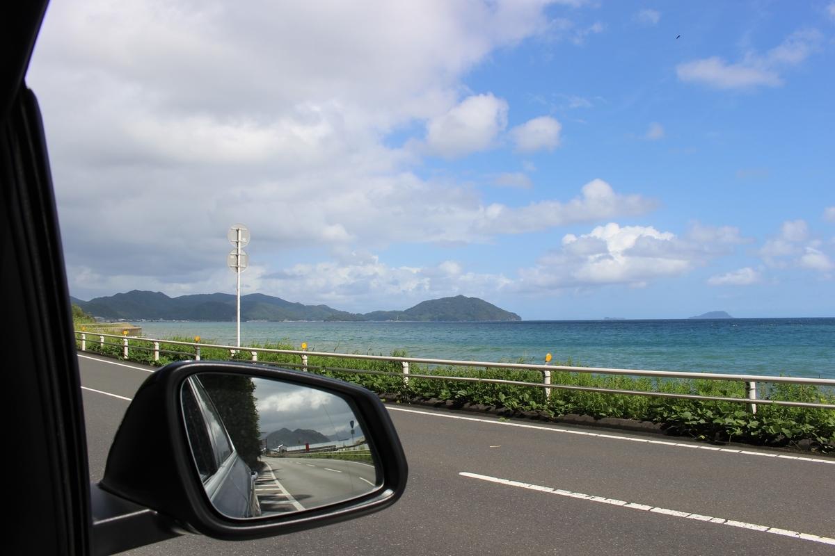 車から見える日本海