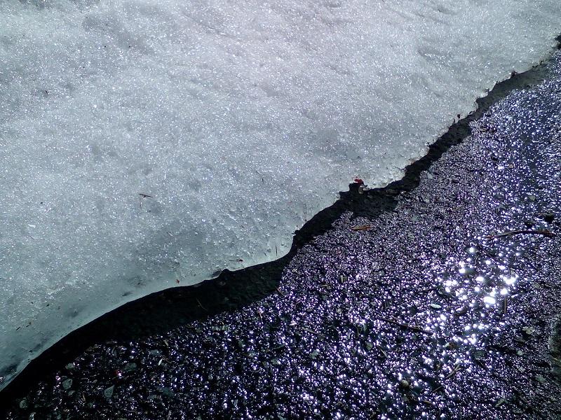 20210318-雪融け水