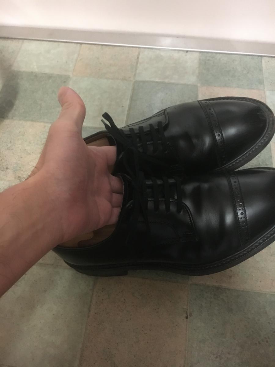 こういう持ち方ですと靴に傷がつきません
