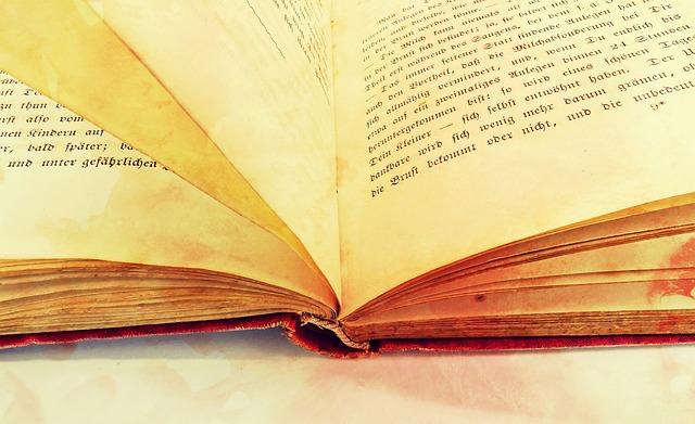 Book 2165594 640