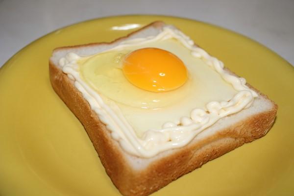マヨたまトーストの作り方 食パン