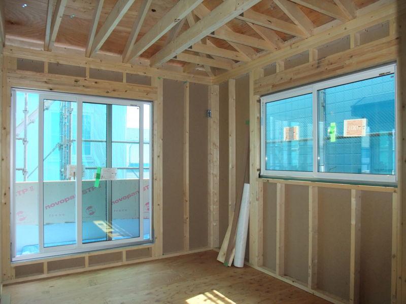 2階の部屋の窓