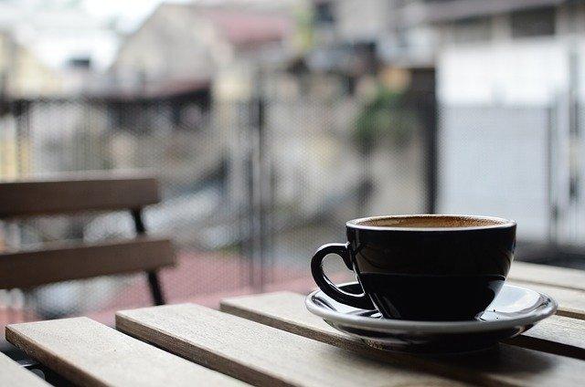 コーヒー・紅茶をよく飲む人
