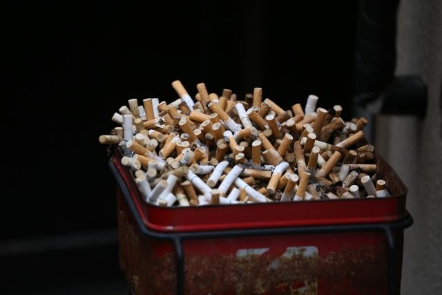 一年でどのくらいの時間を喫煙に使うのか?