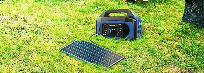 ソーラーパネルも接続できる