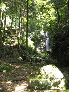 牛妻不動の滝(静岡県静岡市)