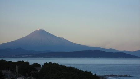 富士山 (初観雪 ディスカバリーパーク焼津 展望台より)