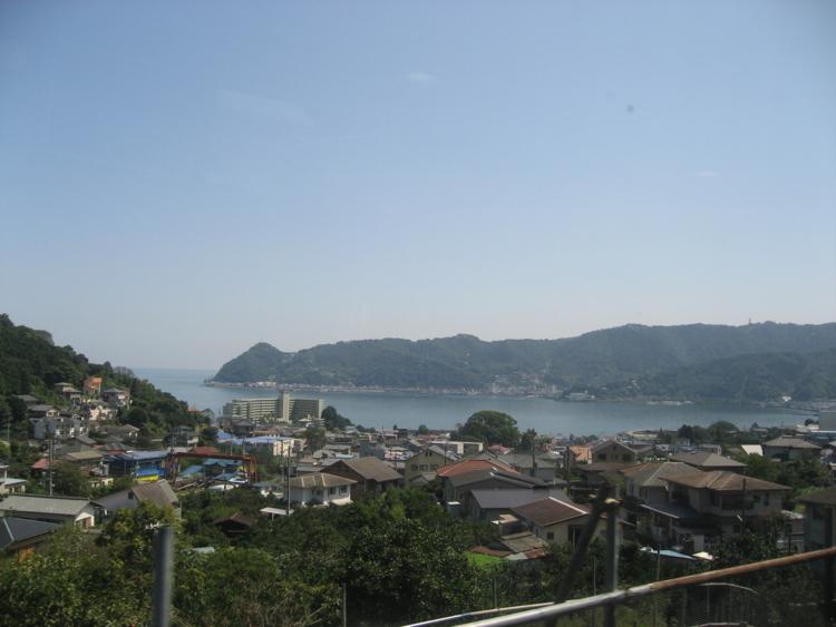 JR伊東線からの車窓 (静岡県熱海市or伊東市)