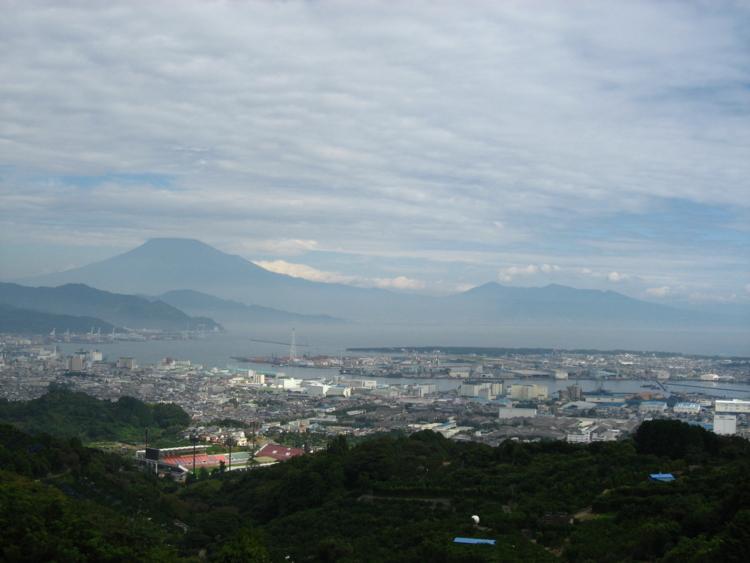 日本平から望む富士山と清水港 (静岡県静岡市)