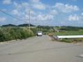 細崎から本集落へ向かう道路  (小浜島)