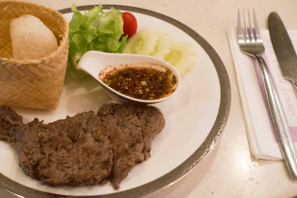 タイ国際航空 ロイヤルファーストラウンジ食事