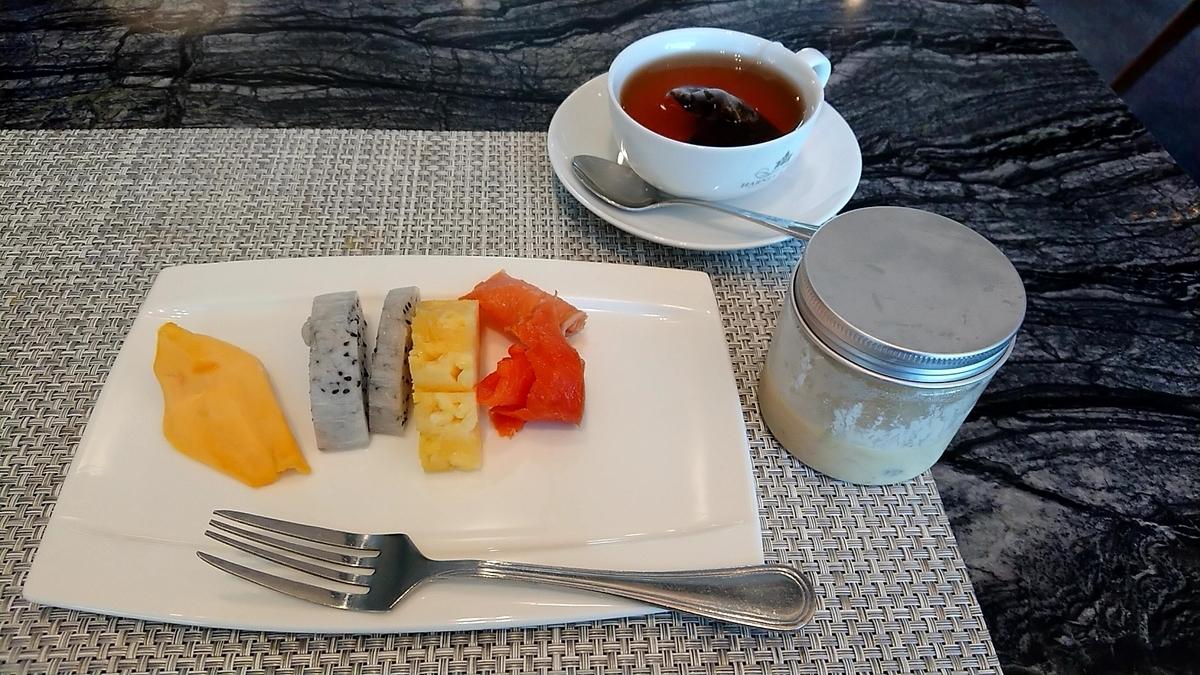 le-meridien-lounge-breakfast