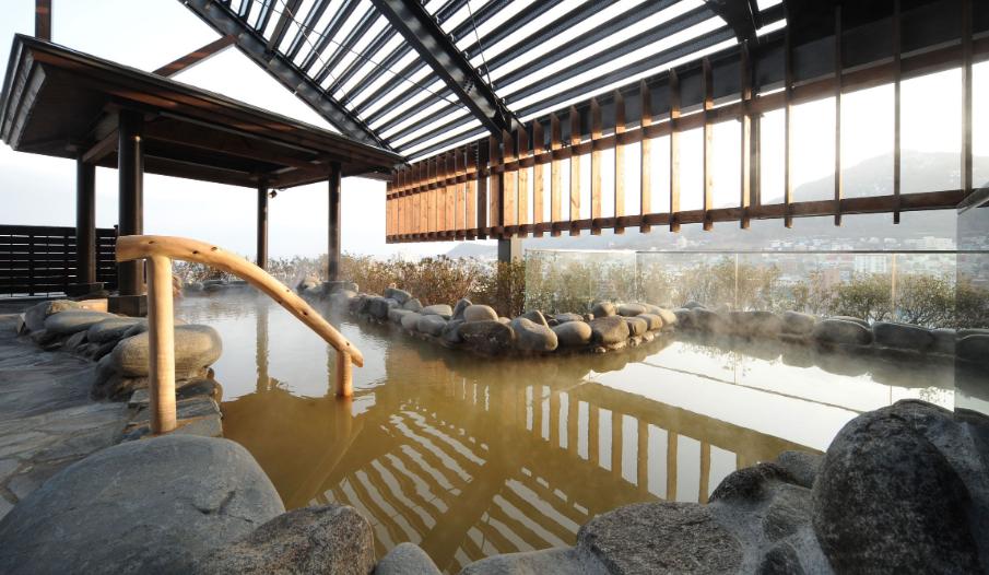 roof-top-hot-spring-la-vista-hakodate-bay-hotel