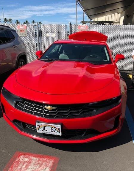真っ赤なカマロのレンタカー