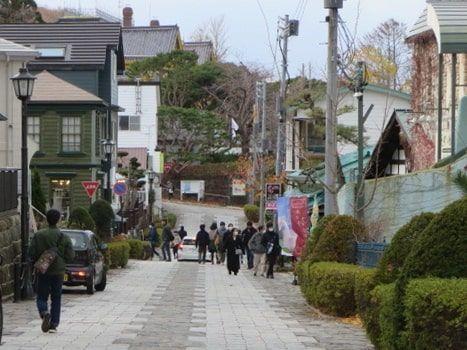 元町エリア(八幡坂を登って右折の道)