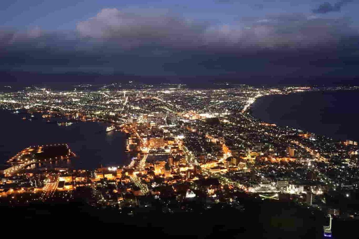 函館山山頂展望台からみる夜景