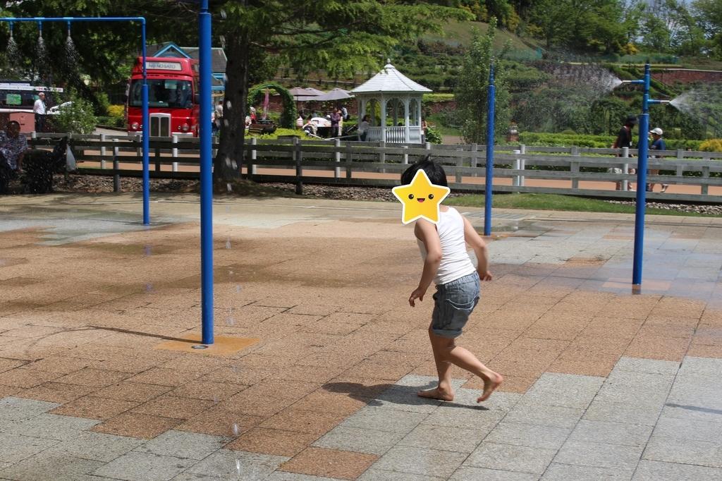 虹の郷 水遊び広場