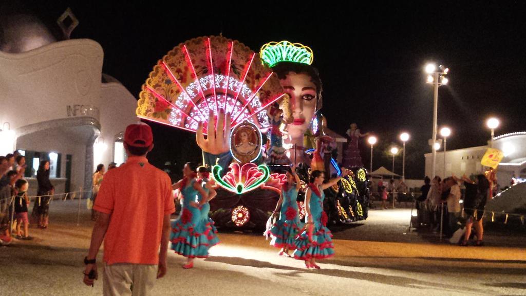 志摩スペイン村 夜のパレード